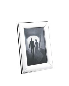 The Georg Jensen, Small Modern Silver Photo Frame has been crafted from stainless steel, polished to a mirror shine and features a built-in stand for wall mount and table top display.
